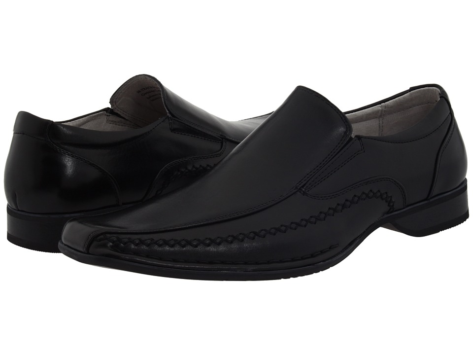 A pair of Steve Madden Trace Dress Shoes