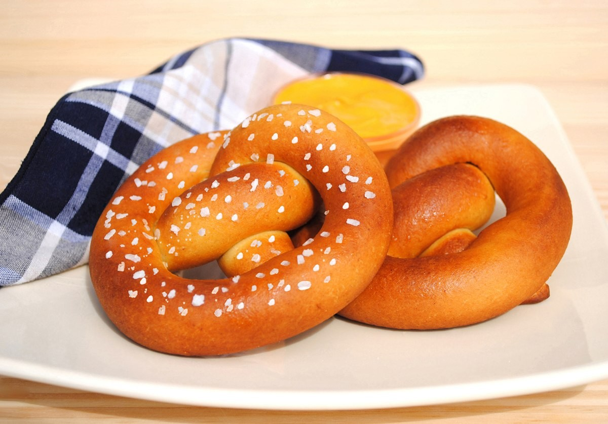 A plate of two soft pretzels