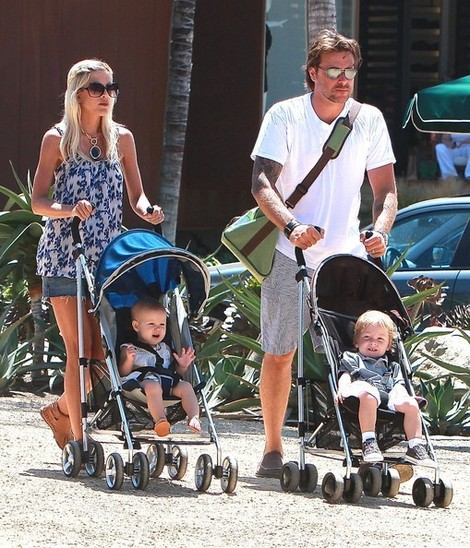 Tori Spelling and family using the UPPA Baby G-Luxe stroller